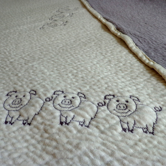 Three Pigs on a Blanket - Organic Cotton Matelasse Knit Blanket