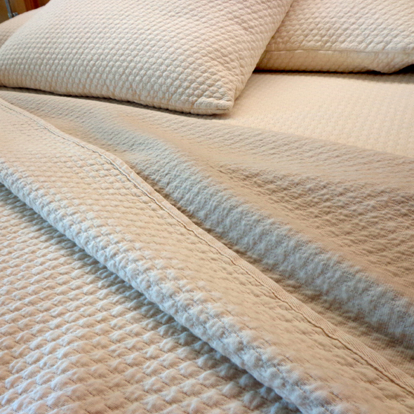 Pebble Pique Organic Cotton Matelasse Blanket