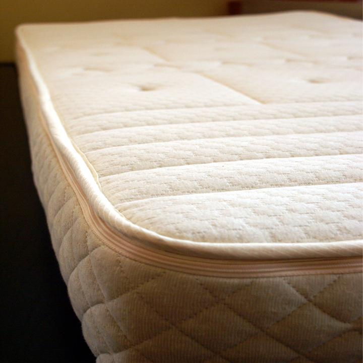 "7"" Natural Comfort kiss Mattress - made with 100% Natural Latex"