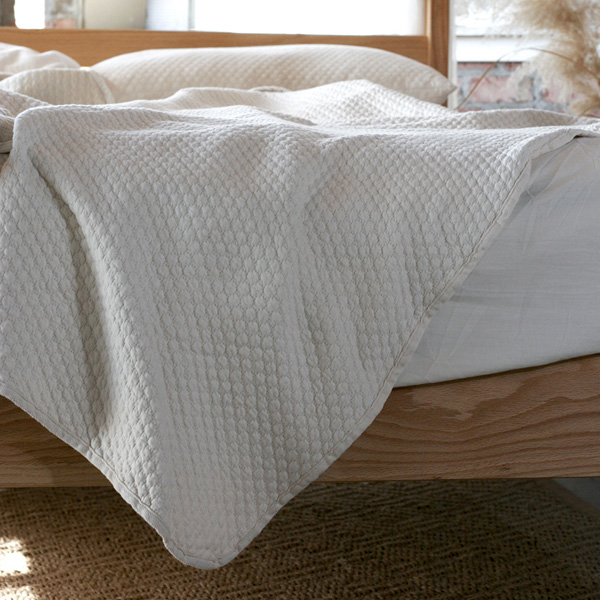 Pebble Pique Organic Cotton Reversible Matelasse Blanket